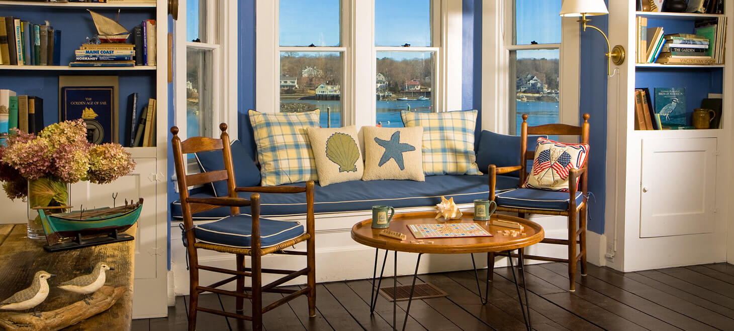 Dockside Guest Quarters sitting area in York, ME
