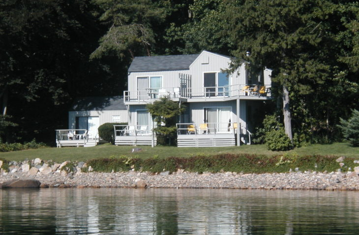 Oceanfront Maine bed and breakfast