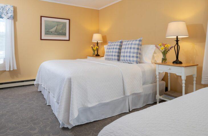 Room 112 beds