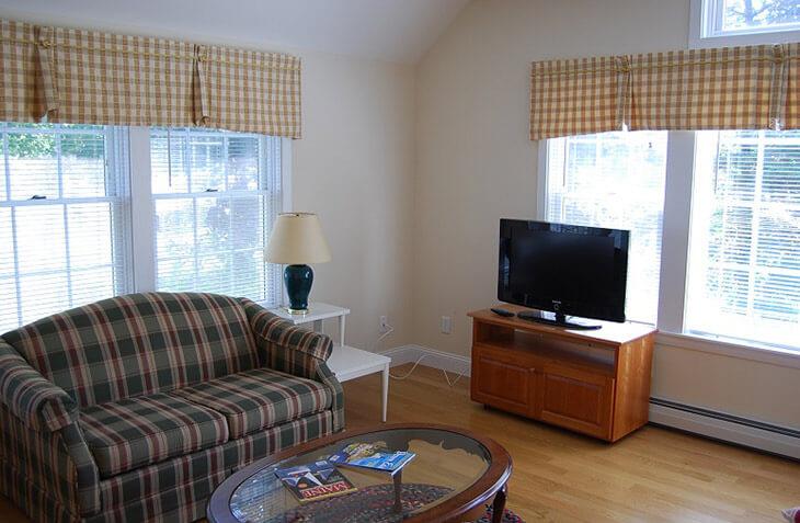 Captain's Quarters master bedroom sitting area